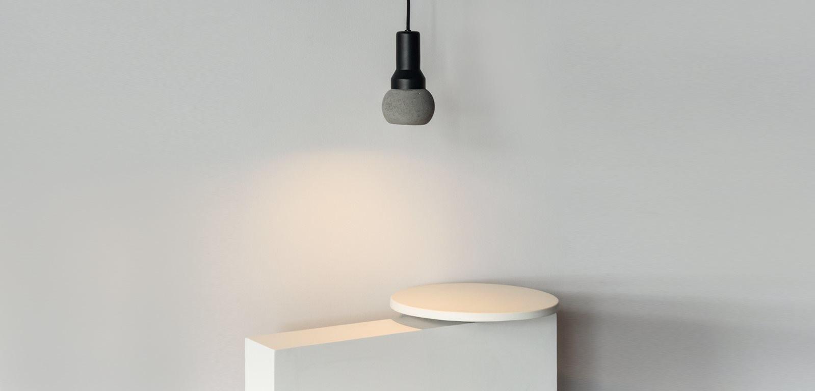 CL10-pendant-light-minimal-LED-spotlight-aluminium-brass-copper-concrete-white-black-cement-handmade-alentes