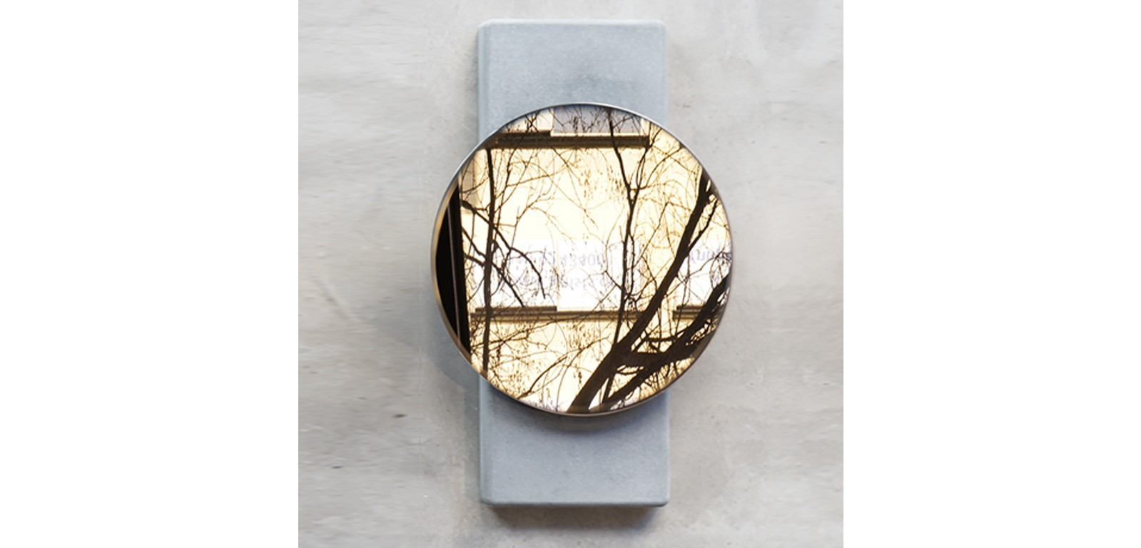 MOON-wall-mirror-concrete-minimal-handmade-alentes-brass-copper-white-black