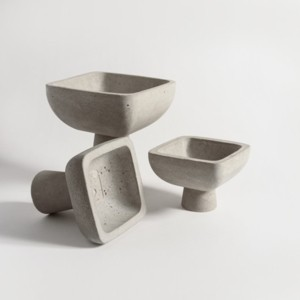 footed-vessel-2-accessories-grey-concrete