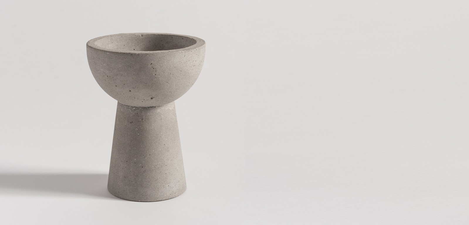 EVERYDAY-BOWLS-accessories-candle-vessels-concrete-cement-white-black-handmade-minimal-alentes